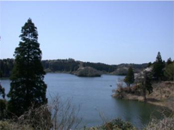 雄蛇ヶ池(おじゃがいけ)